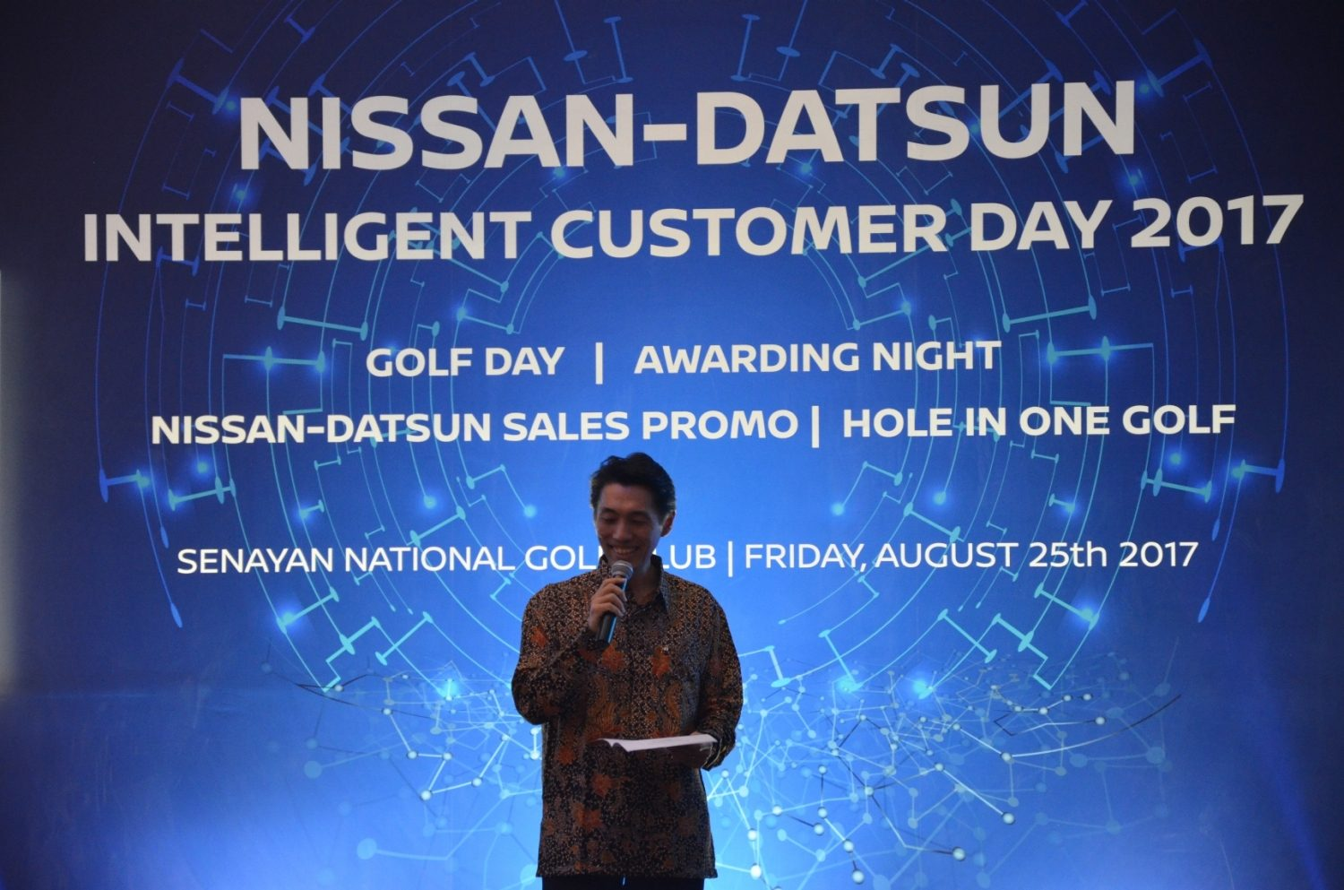 Bapak Eiichi Koito Memberikan Opening Speech dalam acara Gala Dinner Nissan Datsun Intelligent Customer Day