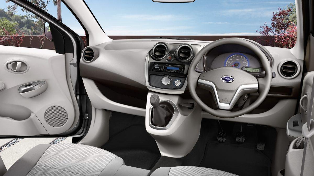 Datsun GO driver-passenger interior